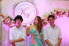 athi Tri O Band (วงดนตรีขนาด 3 คน) 03/05/57 งานแต่งงาน@เทศบาลตำบลห้วยกะปิ คลิปการแสดงภายในงาน http://www.youtube.com/watch?v=ywa4HvZpaks รายละเอียด :รูปแบบวง วง Kathi Tri O รับแสดงงานในโอกาสพิเศษต่างๆ สนใจติดต่อ 080-807-7194 Line ID : pumzper