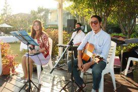 Kathi Tri O Band (วงดนตรีขนาด 3 คน) งานแต่งงาน 02/01/57 @Verano Beach Villa ชะอำ คลิปการแสดงภายในงาน http://youtu.be/XUXqAkww_Vs รับแสดงงานในโอกาสพิเศษต่างๆ สนใจติดต่อ 080-807-7194 Line ID : pumzper